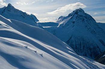 Bella Coola Heliskiing (Tweedsmuir Lodge)